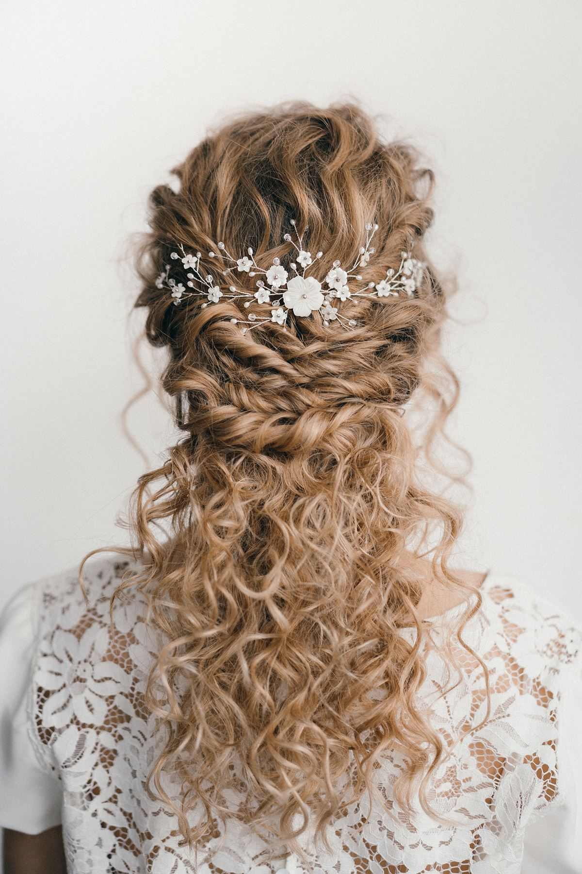 Glamorous Bridal Accessories Image